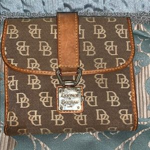 Dooney &Bourke small wallet